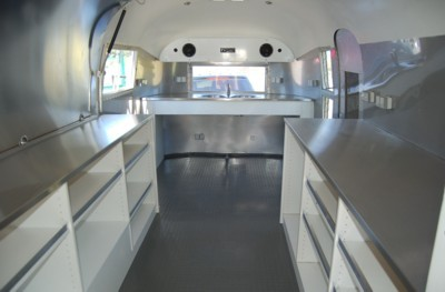Airstream_Sushi_Bar_GastroTrailer_g.jpg