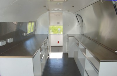 Airstream_Sushi_Bar_GastroTrailer_i.jpg