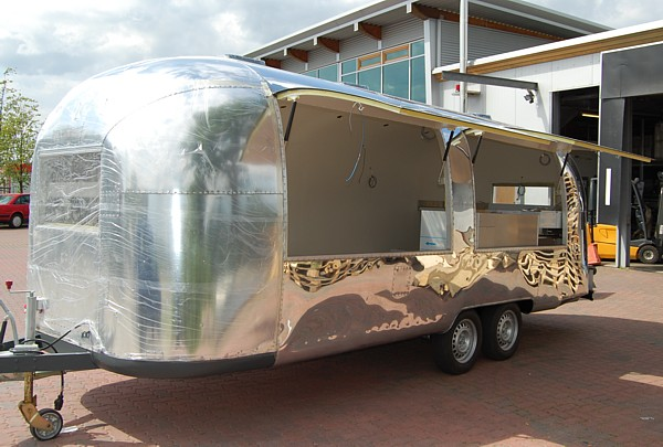 airstream customizing as mobile kitchen starts umbau. Black Bedroom Furniture Sets. Home Design Ideas