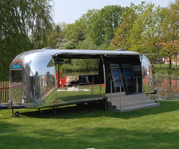 Airstream_Blickfang_stage_for_rent.jpg