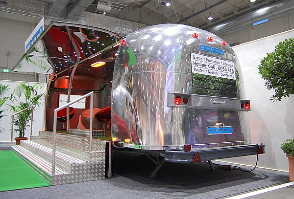 Airstream_Stage_Buehne_b.jpg