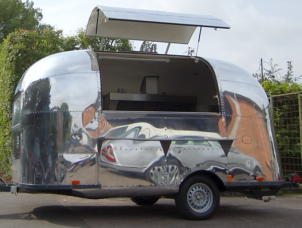 Airstream_Bambi_Catering_16ft_a.jpg