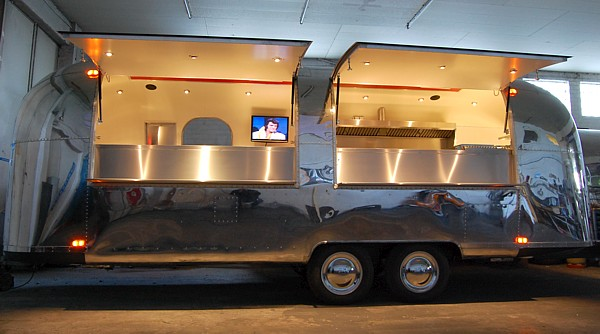 airstream food event mobile 4you 4me 4all. Black Bedroom Furniture Sets. Home Design Ideas