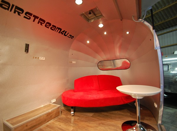 18ft_airstream4u_stagemobile_eventmobile_int_c.jpg
