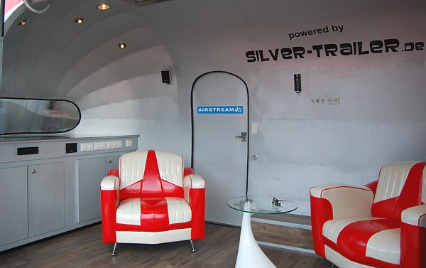 18ft_airstream_interieur_seats.jpg