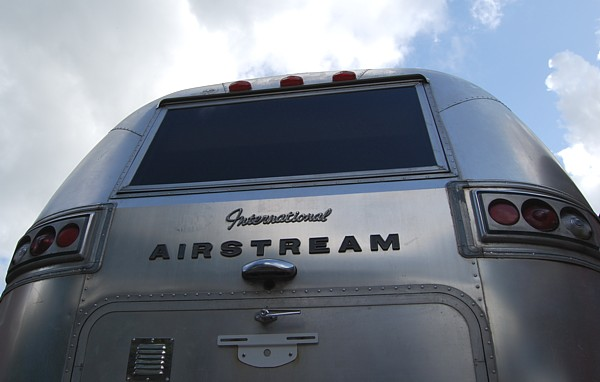 airstream__4u_customization_modern_lifestyle_c.jpg