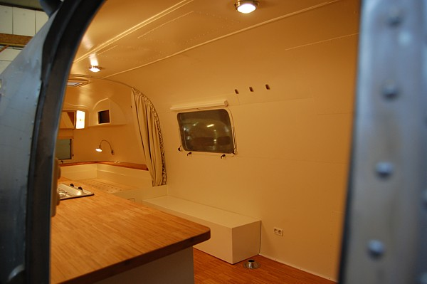 airstream__4u_customization_modern_lifestyle_f.jpg