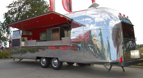 28ft_Airstream_Catering_a.jpg