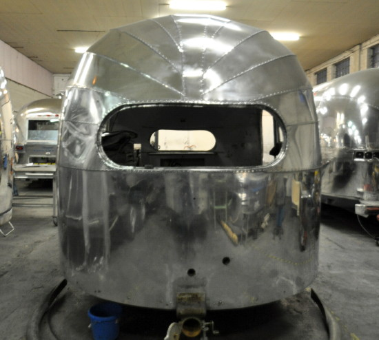 16ft_1948_airstream_weewind_c.jpg