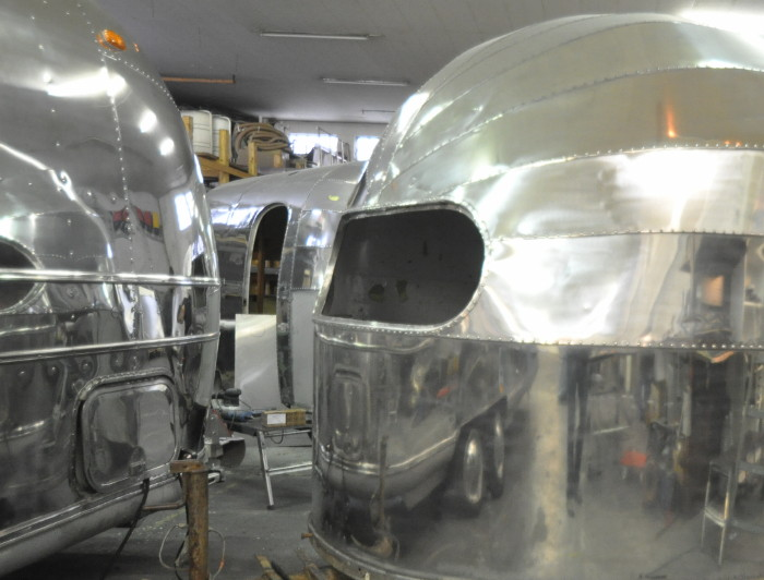 16ft_1948_airstream_weewind_e.jpg
