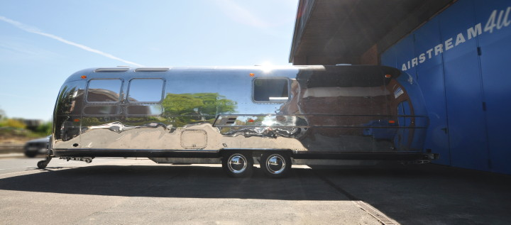 Airstream4u_Silver_Cigar_Lounge_.jpg