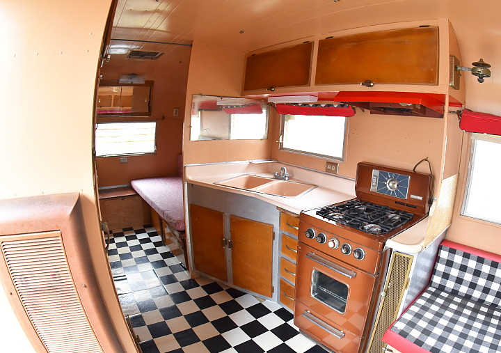 .Streamline_Prince_1959_19ft_interior2.jpg