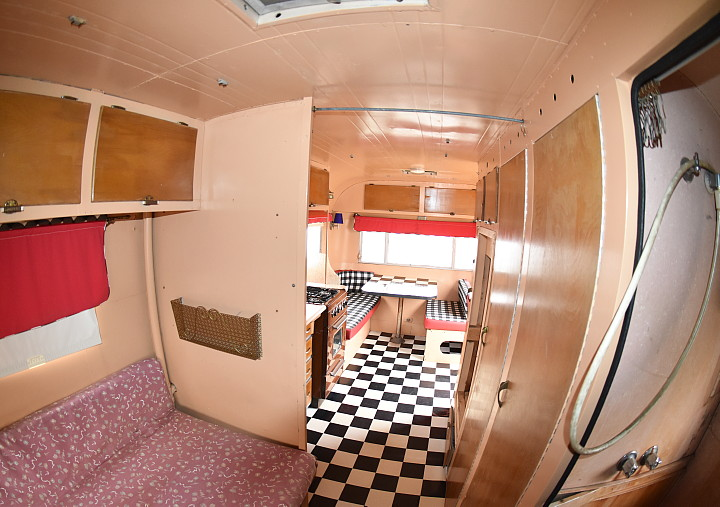 .Streamline_Prince_1959_19ft_interior3.jpg