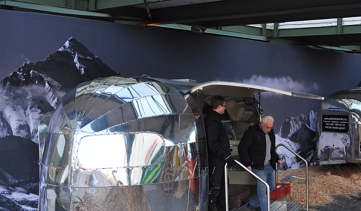 Hochglanz_Miet_Airstreams_Berlin_Mode_Messe.jpg