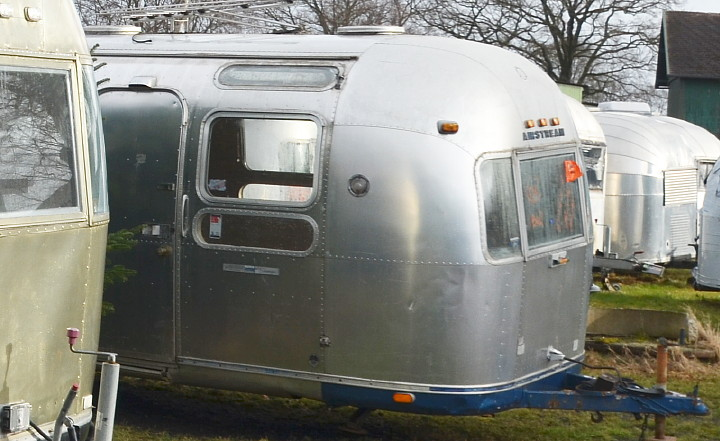 31ft_Airstream_Sovereign_1972_now_in_stock.jpg