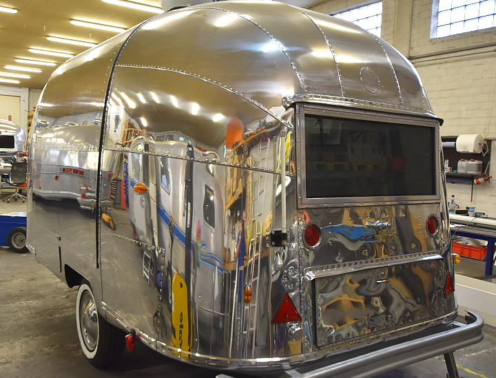 airstream_bubble_space_mobile_stage.jpg