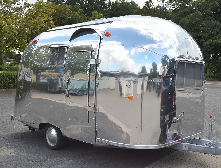 vintage airstream pacer 1960 rare 16 footer in. Black Bedroom Furniture Sets. Home Design Ideas