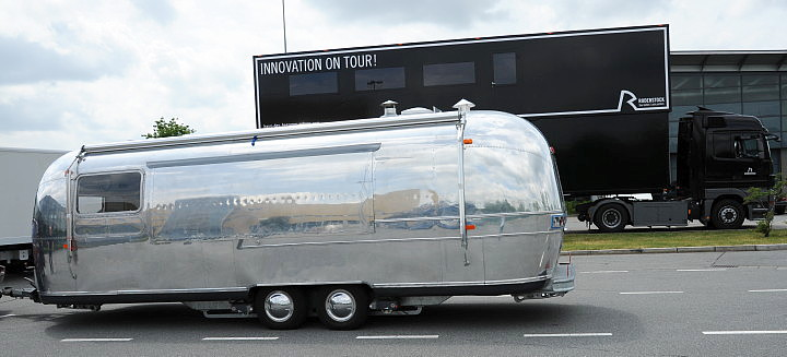 airstream4u_rodenstock_roadshow_showtruck.jpg