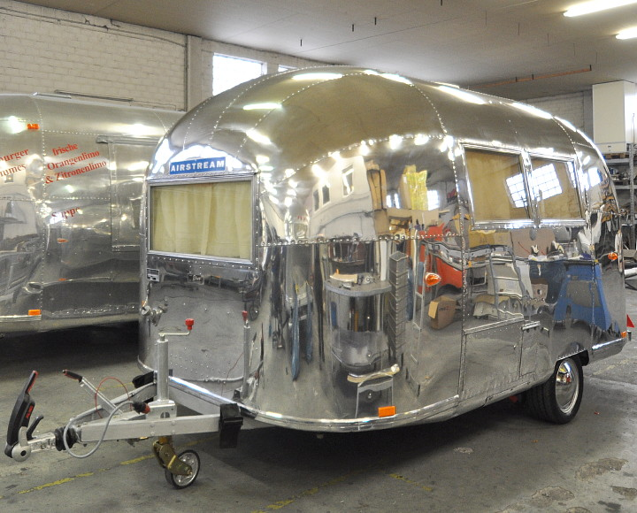 Airstream63_ONE_restored_polished_a.jpg