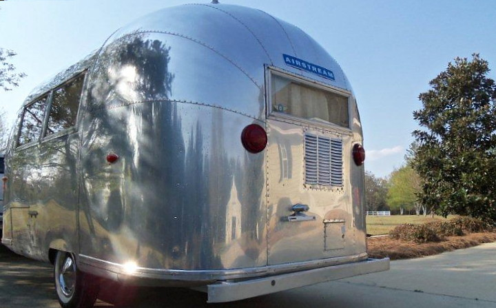 airstream_bambi_ONE_vintage_1963_b.jpg