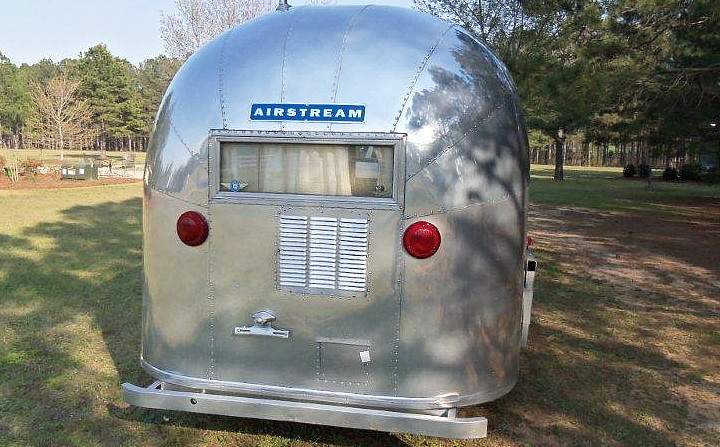 airstream_bambi_ONE_vintage_1963_c.jpg