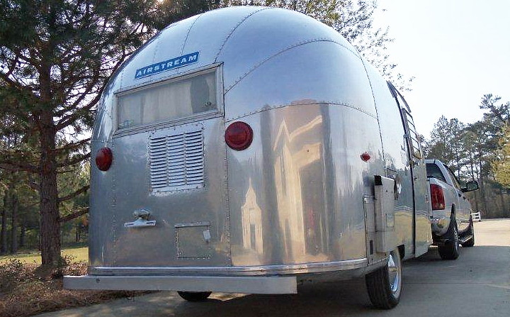airstream_bambi_ONE_vintage_1963_d.jpg