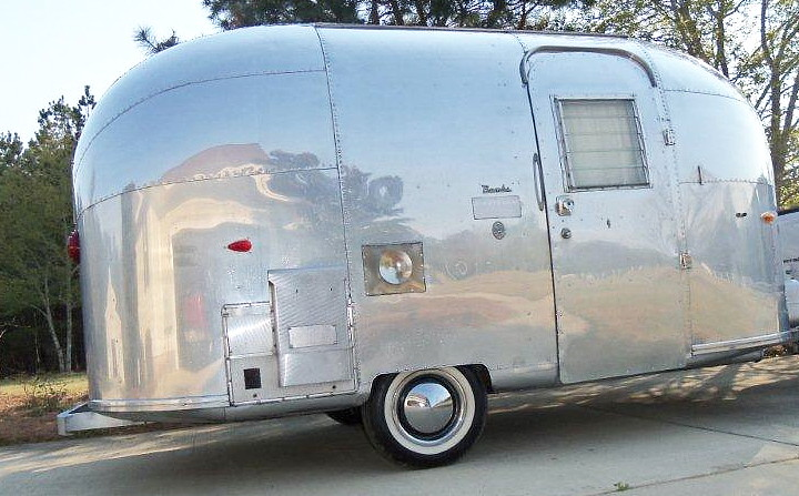airstream_bambi_ONE_vintage_1963_e.jpg