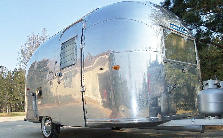 airstream_bambi_ONE_vintage_1963_f.jpg