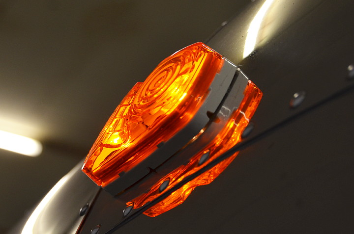 Original_70s_Reproduction_Marker_Light.jpg