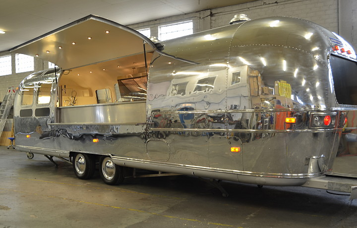 airstream4u_gastronomy_mobile_kitchen_c.jpg