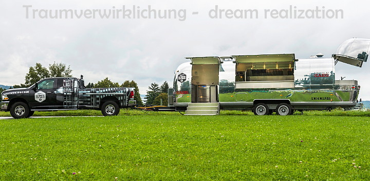 airstream4u_custom_catering_mobil.jpg