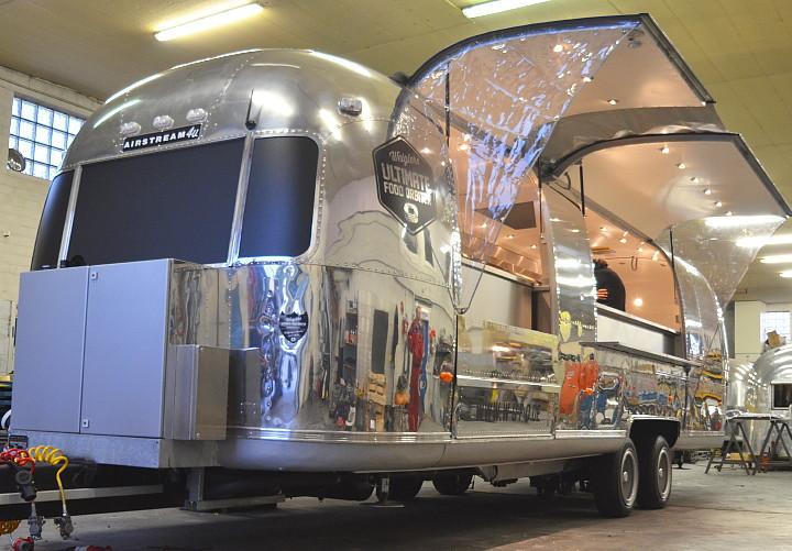Mega Gastro Show Und Event Airstream4u Land Yacht