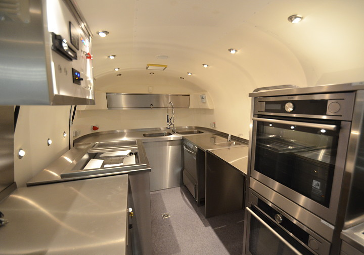 Mega Gastro Show Und Event Airstream4u Land Yacht