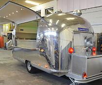 airstream4u projekte promotionfahrzeuge eventmobile foodmobile roadshow. Black Bedroom Furniture Sets. Home Design Ideas
