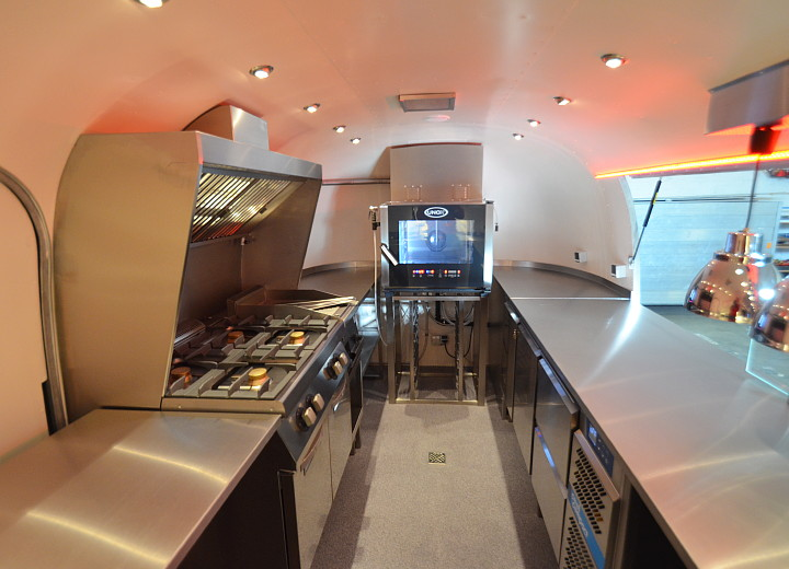 custom_interior_uae_catering_a.jpg