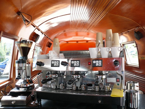 Coffeetrailer Caffeebohne Airstream Custom Trailer