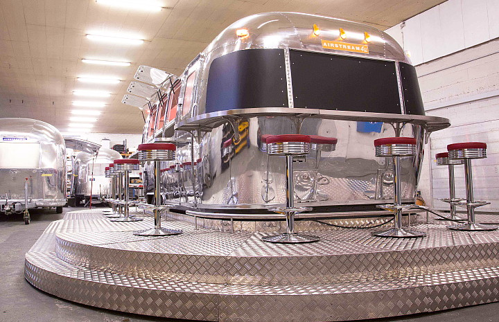 a4u_middle_east_american_airstream_diner_b.jpg