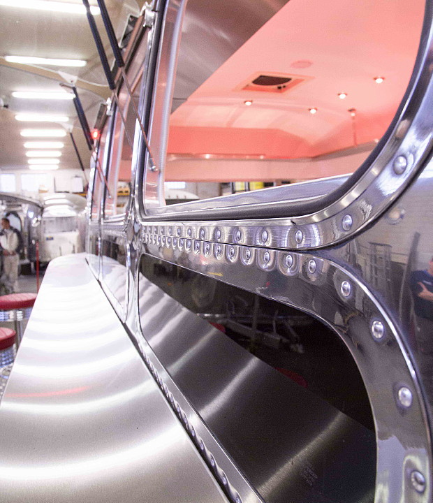 a4u_middle_east_american_airstream_diner_d.jpg
