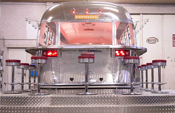 a4u_middle_east_american_airstream_diner_f.jpg
