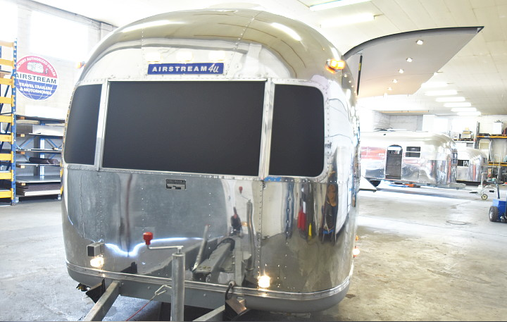 airstream4u_foodtruck_vida_resort_dubai_a.jpg