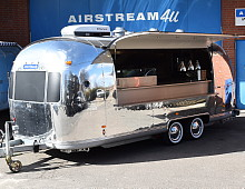 airstream4u projekte promotionfahrzeuge eventmobile. Black Bedroom Furniture Sets. Home Design Ideas