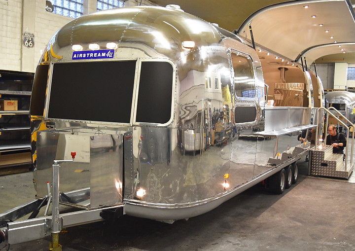 airstream_bbq_trailer_xxl_b.jpg