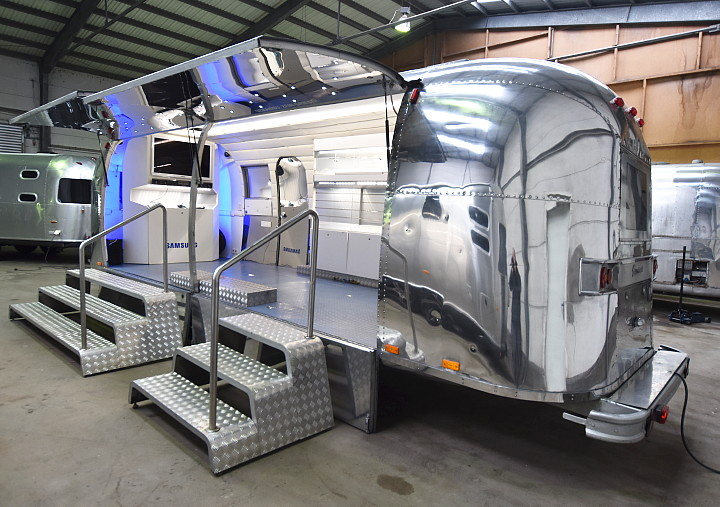 Airstream4u_Promotion_Stage_b.jpg