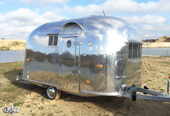 vintage_trailer_airstream_pacer_16_feet.jpg