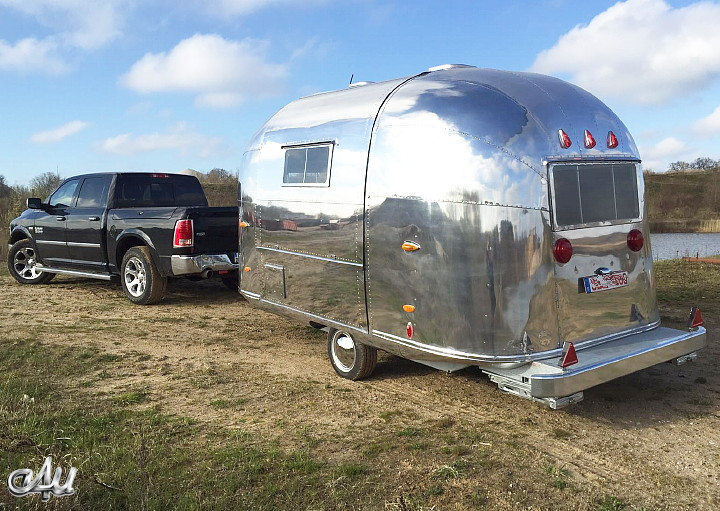 vintage_trailer_airstream_pacer_1960.jpg