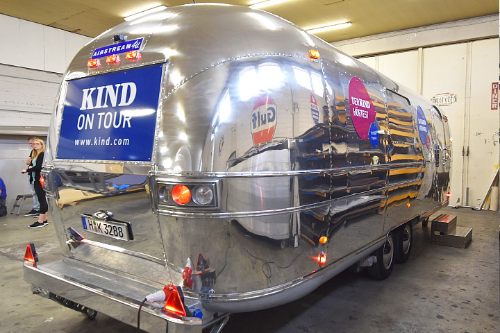 airstream4u_custom_kind_on_tour.jpg