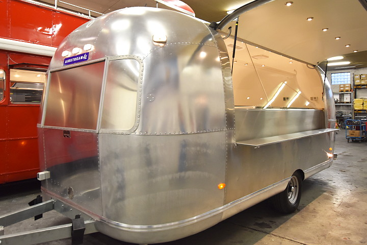 airstream_saj_2_go_food_truck_uae.jpg
