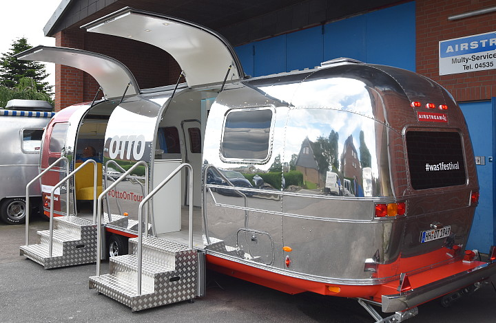 otto_on_tour_festival_trailer_airstream4u_a.jpg