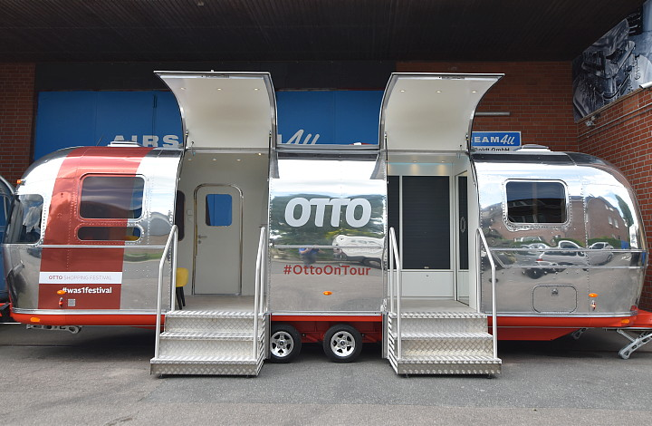 otto_on_tour_festival_trailer_airstream4u_c.jpg