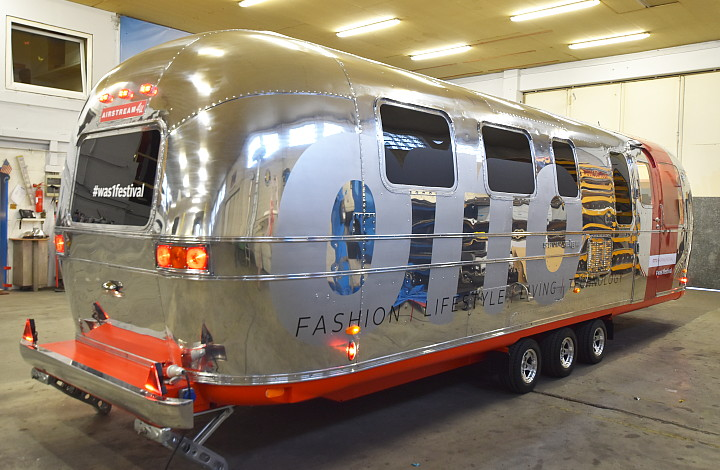 otto_on_tour_rear_airstream4u.jpg